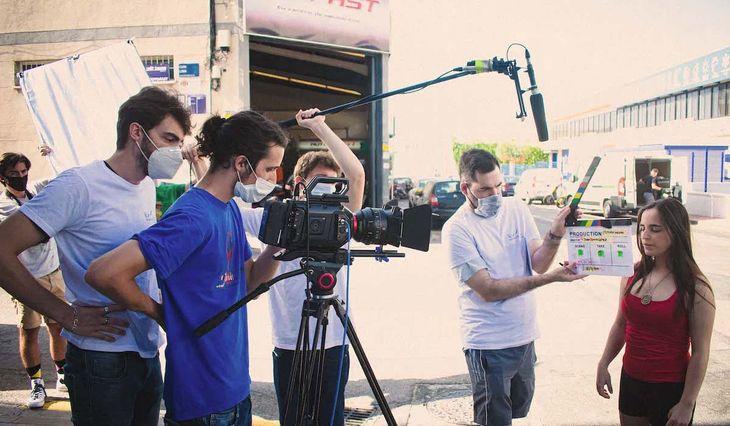 Aislamiento en Provincia: buscan habilitar la vuelta de rodajes de ficciones para cine y televisión