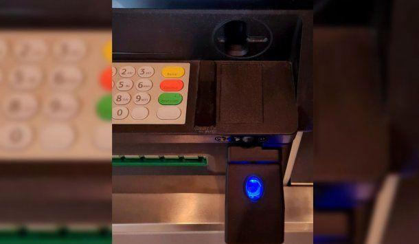 Los cajeros automáticos de todos los bancos deberán contar con lectores de huellas digitales