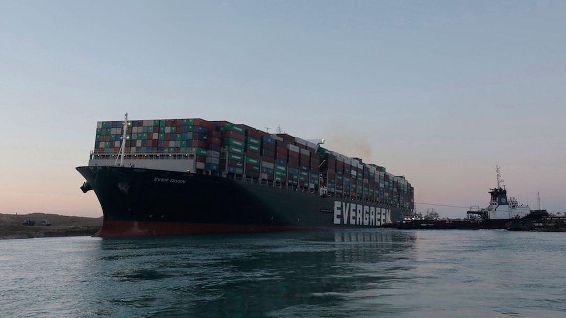 barco-encallado-canal-suez