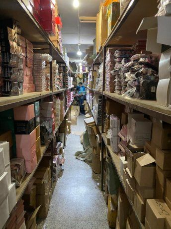 Cuatro extranjeros imputados por vender productos falsificados