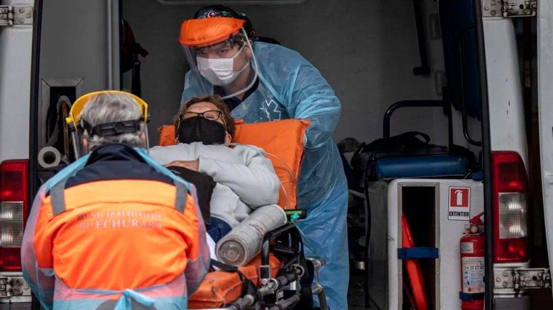 Chile:en elreporte diario solo se cuentan las muertes confirmadas por PCR y distan mucho de las informadas por laDirección de Estadísticas e Información de Salud (DEIS) que también incluye las muertes sospechosas o relacionadas al coronavirus