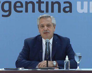 Alberto Fernández promulgó la ley de empleo formal para travestis