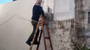 ¿es? malena guinzburg vio la cara de su padre en una pared