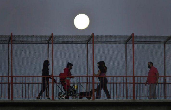 Superluna en Mendoza. Cortesía: Los Andes.