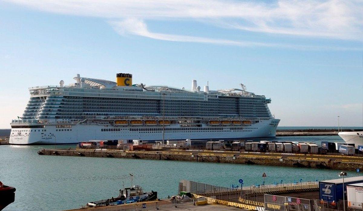 Hay 35 argentinos dentro del crucero varado en Italia por el coronavirus