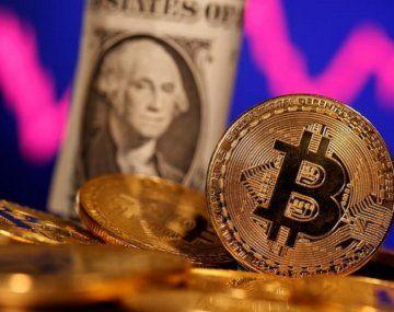Bitcoin recupera los US$50.000 después de 100 días