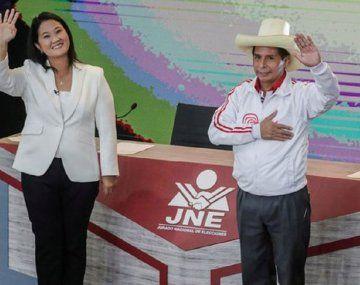 Elecciones en Perú: ajustada definición del balotaje presidencial
