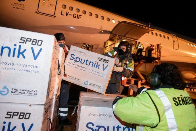 Otro avión de Aerolíneas Argentinas traerá más vacunas de Rusia