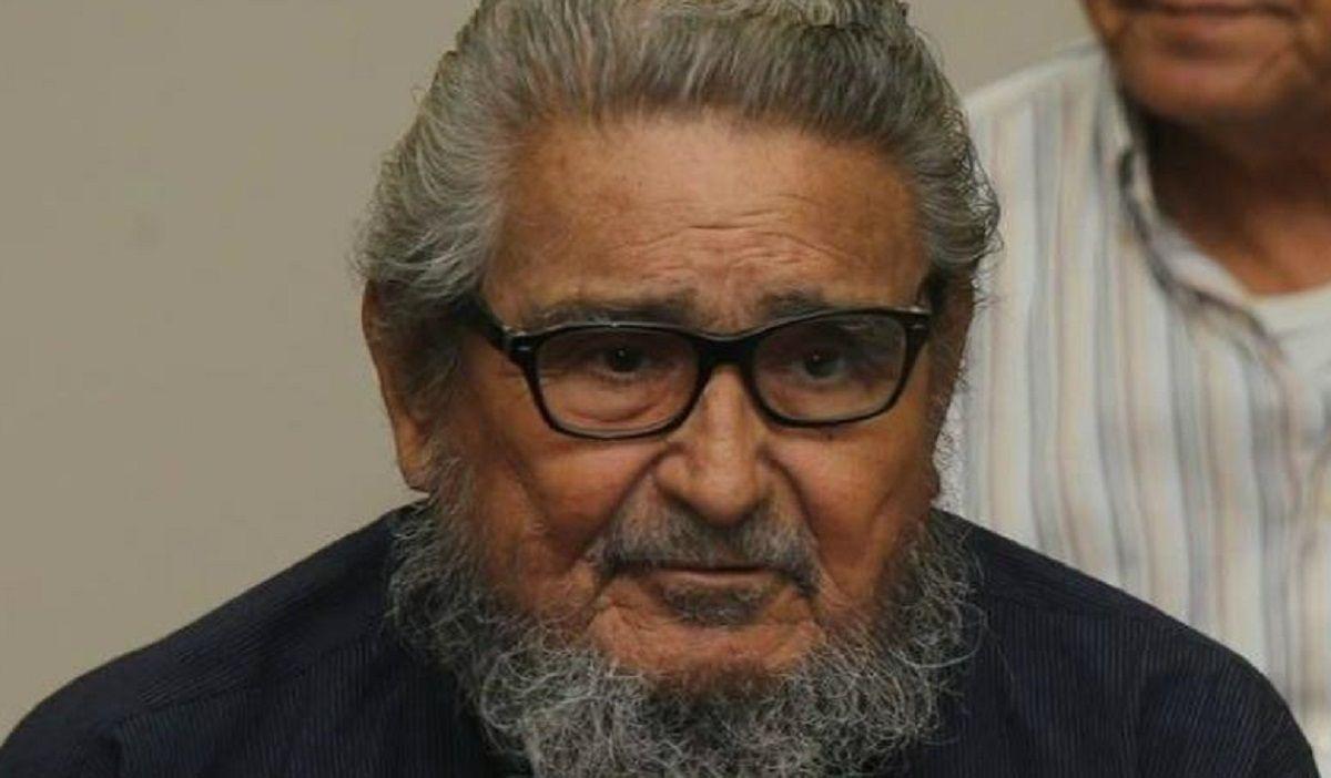 murio en prision abimael guzman, fundador de sendero luminoso