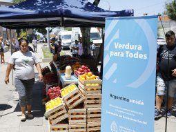 el gobierno lanzara una canasta basica con 28 alimentos a precios rebajados en ferias