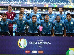 la fifa le pidio a uruguay que retire de su escudo las dos estrellas olimpicas