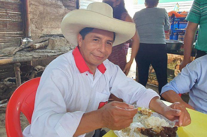 Perú: internaron al candidato que propuso el debate en Chota