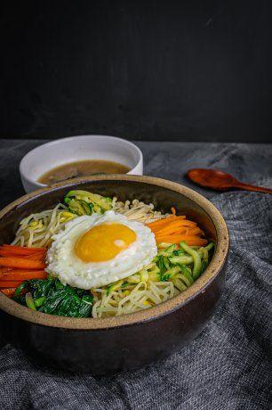 Qué es el bibimbap coreano: ingredientes y receta