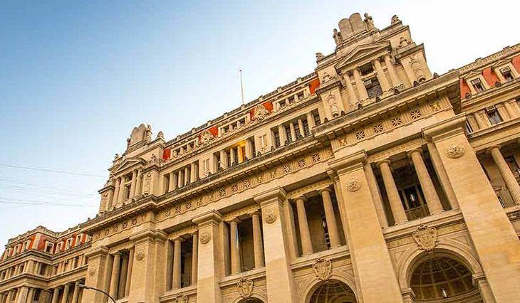 Una jueza anti cuarentena dio positivo por coronavirus en la Ciudad