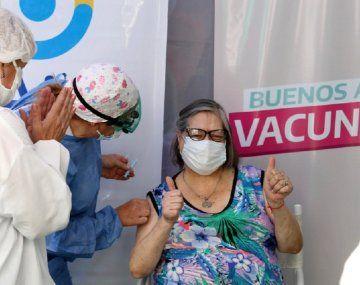 Diputados bonaerenses tratan el proyecto de ley para autorizar compra de vacunas