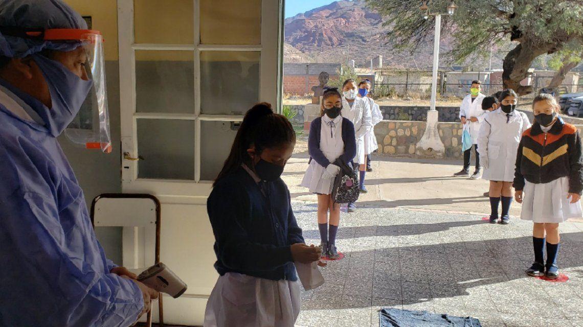Nicolás Trotta anunció que la vacunación a docentes comenzará en febrero