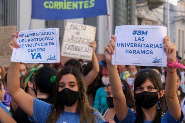 8M: protoclos y protección, los pedidos de las universitarias en Corrientes
