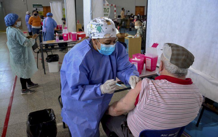 Ampliación de la población objetivo: así se vacuna en la Argentina