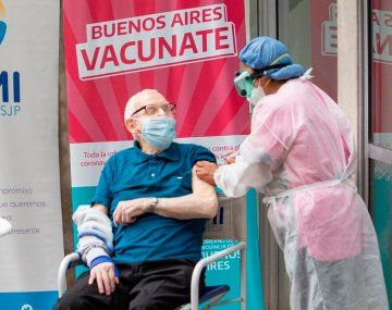 La provincia de Buenos Aires envía este martes 500 mil turnos para completar esquemas con vacunas combinadas