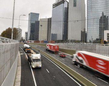Avanza el proyecto para nombrar Raúl Alfonsín al Paseo del Bajo porteño