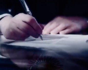 El anuncio del PSG: Messi firmó el contrato
