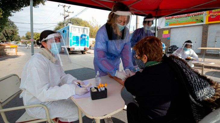 Avanza la combinación de vacunas contra el coronavirus