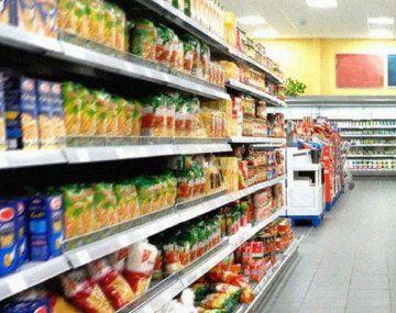 Programa Súper Cerca: el Gobierno lanzó una canasta de 70 productos esenciales con precios fijos