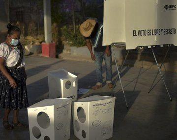 Tiraron restos humanos en centros de votación de México