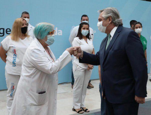 Alberto Fernández anunció un bono de $6.500 para personal de salud