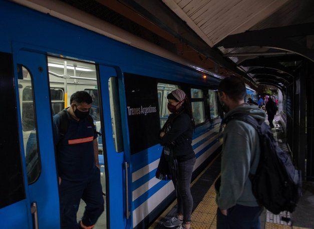 Nuevas restricciones: volvieron los controles en el transporte y peajes del AMBA