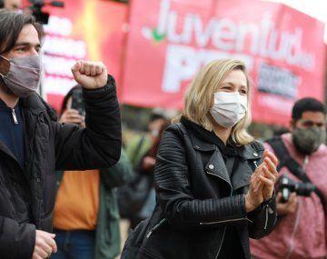 La izquierda dice que los libertarios llevan defensores de la dictadura en sus listas