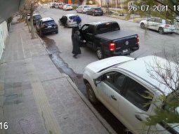 el video de un impresionante intento de robo a mano armada en neuquen