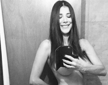 El descuido encendido de Andrea Rincón que mostró sus partes íntimas