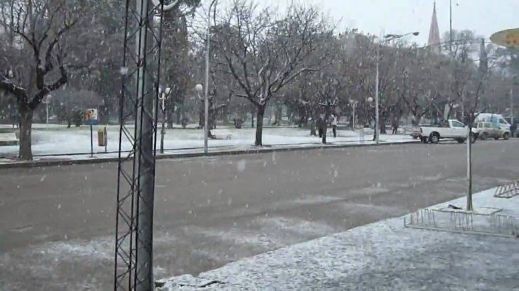 Cae nieve en provincia de Buenos Aires