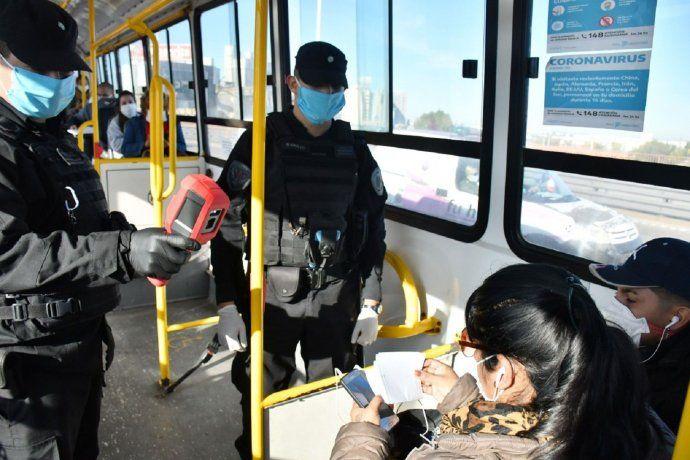 El uso del transporte público bajó 55% en el AMBA