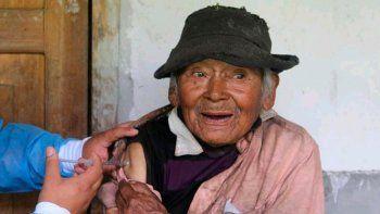 mashico tiene 121 anos y fue vacunado contra el coronavirus