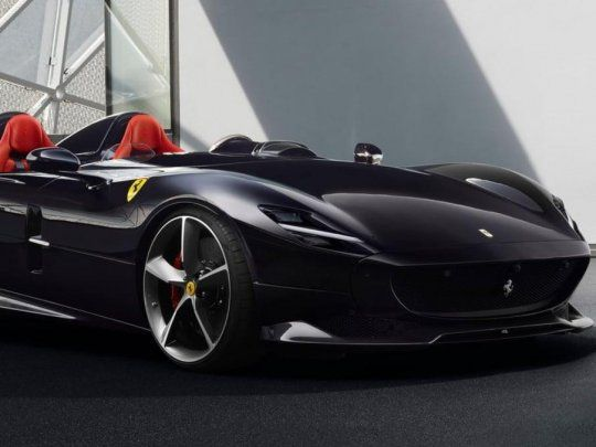 Cristiano Ronaldo faltó a una práctica de la Juventus para comprarse una Ferrari de 1.600.000 euros