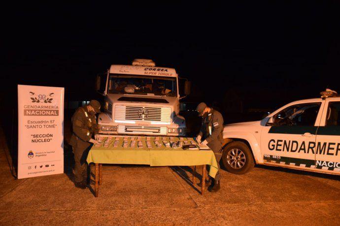 Corrientes: Detienen a un transportista que quiso pasar 29 toneladas de soja de contrabando