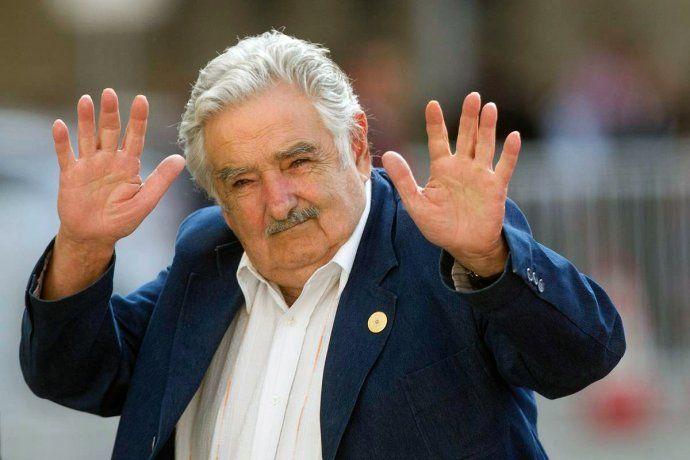 Pepe Mujica se recupera tras su operación de urgencia: no tenía una espina clavada en el esófago