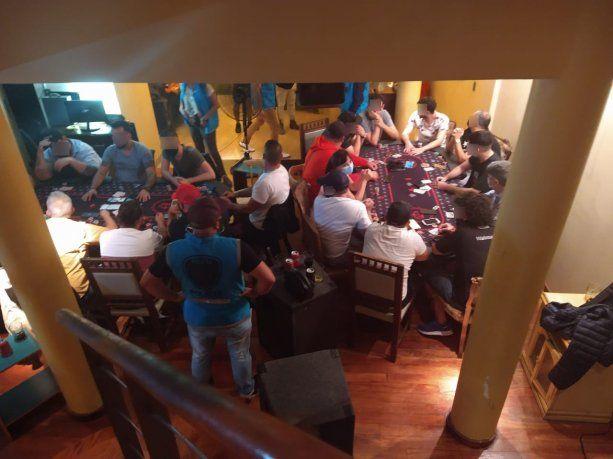 Clausuraron un casino clandestino que funcionaba en un departamento de Villa Urquiza