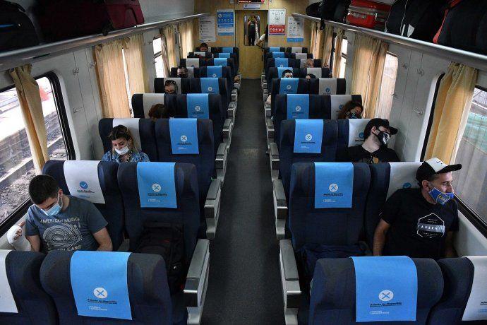 Aumentan al 80% la capacidad de ocupación en trenes y micros de media y larga distancia