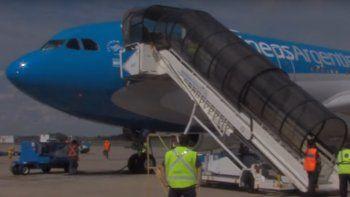 el vuelo de aerolineas argentinas traera mas de 765 mil dosis de la vacuna sputnik v