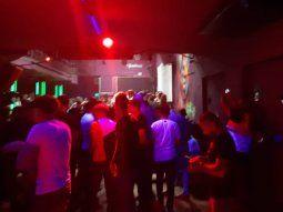 desbarataron una fiesta clandestina con mas de 200 personas en un bar de palermo hollywood
