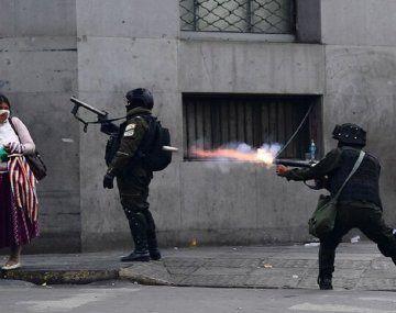 Decenas de muertos y centenares de heridos: qué hicieron los golpistas con el material bélico que les envió Macri