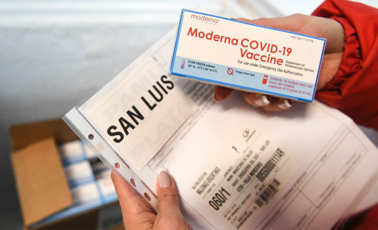 Distribuyen en todo el país 900 mil dosis de Moderna donadas por Estados Unidos: cuántas le tocan a cada provincia