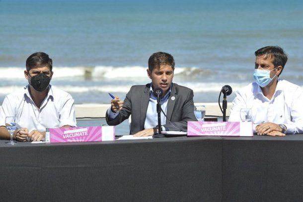 El gobernador Axel Kicillof en conferencia de prensa en Necochea. Foto: @Kicillofok