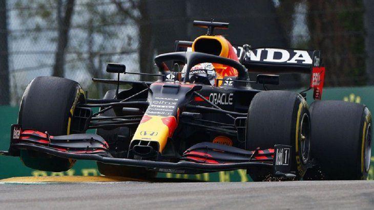 Con amplia ventaja sobre Hamilton, Verstappen ganó el Gran Premio de Emilia-Romaña
