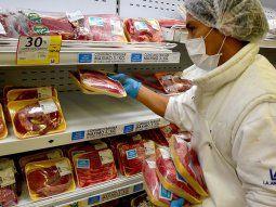 el gobierno anuncia un acuerdo para vender el kilo de asado a $359