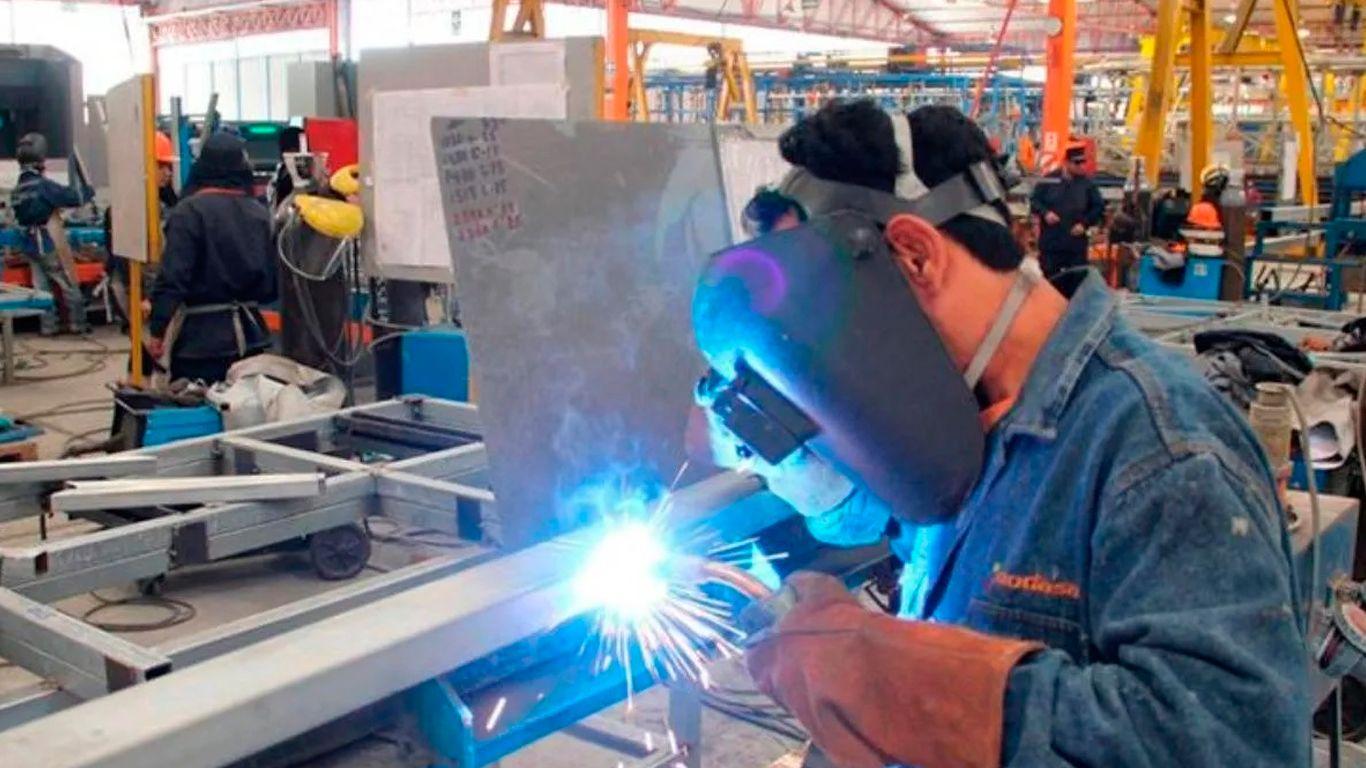 Metalúrgicos: Antonio Caló acordó con empleados del sector pagar solo el 70% del sueldo a sus empleados