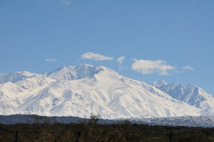 Mendoza: hallaron dos cuerpos congelados en un cerro y serían de dos andinistas desaparecidos hace 25 años